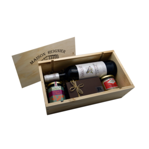 Caisse en bois contenant de produits de très bons produits du terroir
